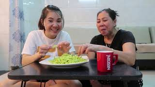 Vlog ăn vặt 3 ll Ngân làm mứt dừa lá dứa thơm ngon nứt mũi
