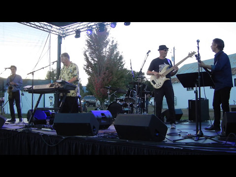 DK Stewart and Pocket Change Performing with Robbie Laws at Pine Fest in Halfway Oregon