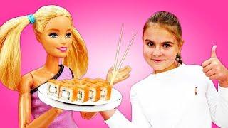 Барби готовит роллы - Простые рецепты для детей - Мультики для девочек