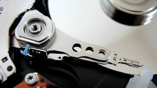 Hard disk head movement while copying files stored in separate clusters