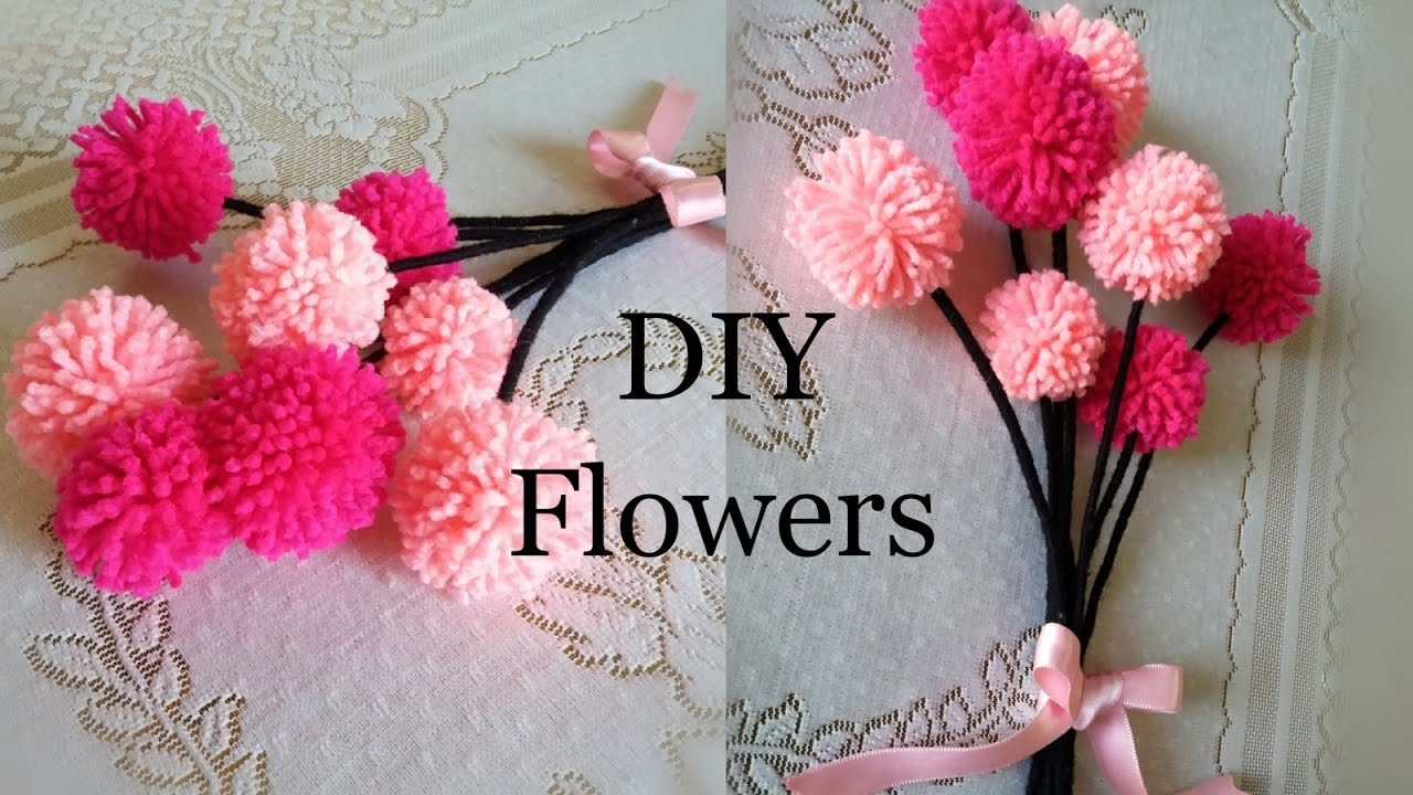 Diy pom pom flowers wool flowers home decor the blue for How to make home decorations
