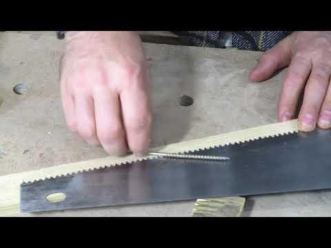 Как развести зубья у ножовки по дереву видео