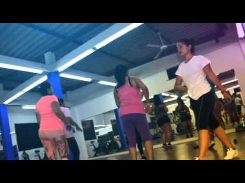 Divas gym fitness solo mujeres created with magisto for Solo fitness gym