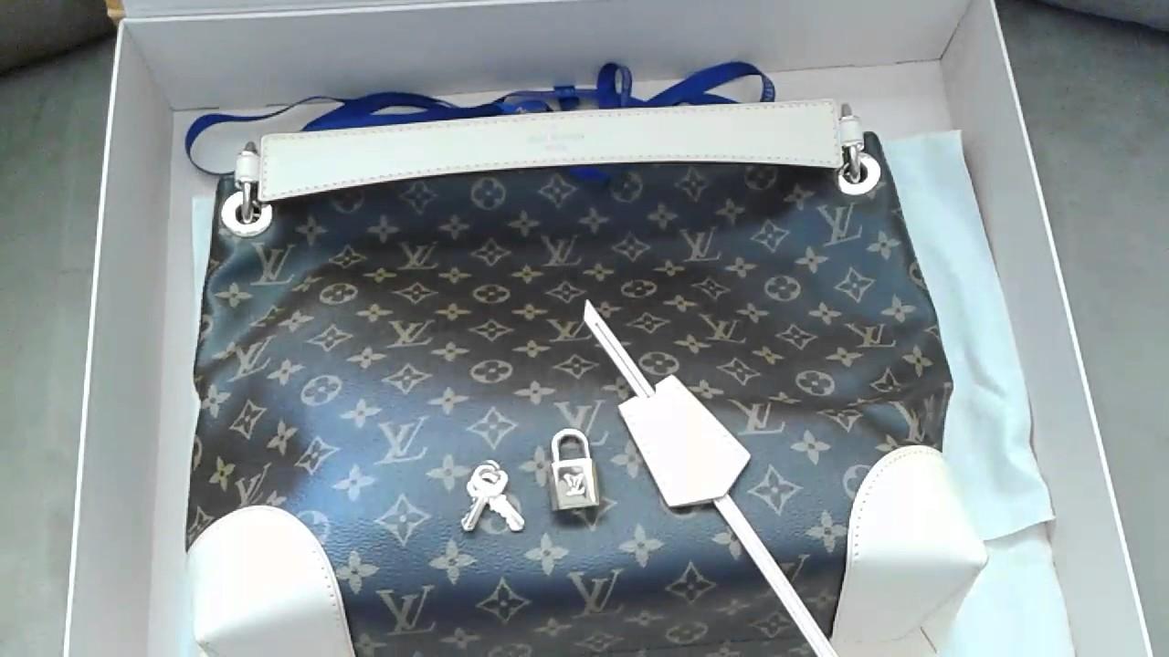 42f62efdad Louis Vuitton Berri PM