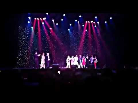 "Gabriele Acquavia canta ""O sole mio"" finale tour America"