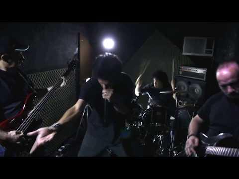 "® Vídeo clip oficial da Banda Renegados - ""Looking For My Insanity"" (HD)"