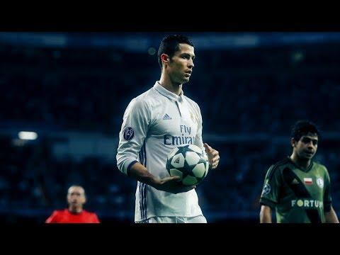 How Cristiano Ronaldo Shoots Knuckleballs & Jumps High