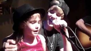 justin bieber singing baby with a little girl