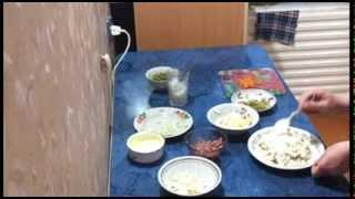 Вкусный слоеный салат с рисом. Видео рецепт.