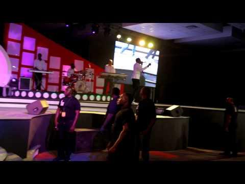 diamond-platnumz-perfoming-number-1,live-at-tanzania-music-awards-2014