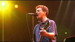 Pearl Jam Live at The Garden 09 - Gimme some truth (High Quality)