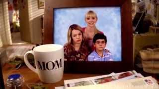 Заставка сериала «Мамаша / Mom»