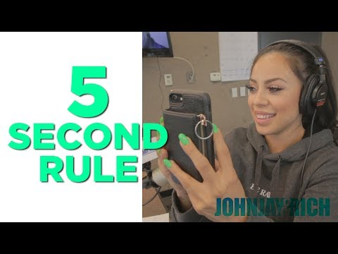 In-Studio Videos - We're Playing The 5 Second Rule!!!