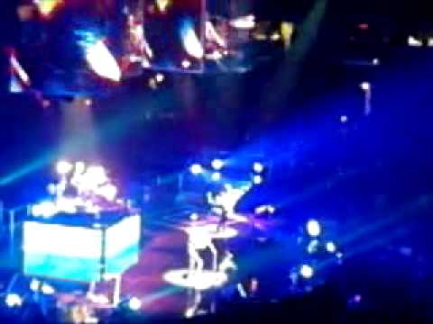 Guiding Light (Live at the United Center)