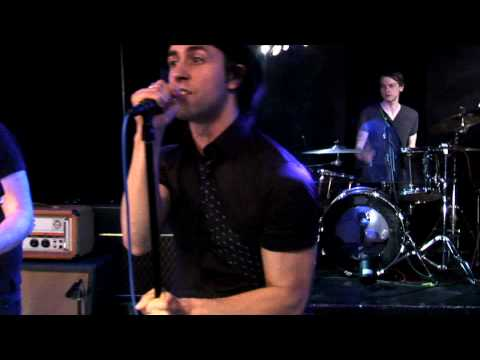 Maximo Park - Apply Some Pressure - Live On Fearless Music HD