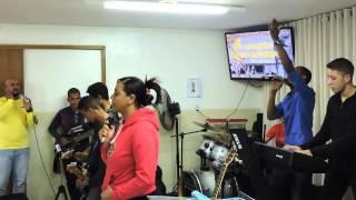 Pastor Adriano e Ministério de Louvor Agnos (Música e Ministração)