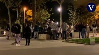 Una treintena de jóvenes de 'botellón' en Barcelona