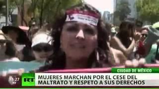 La 'Marcha de las Putas' protesta en México contra la violencia de género