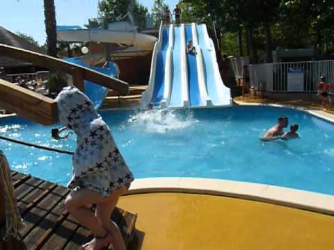 piscine au camping l 39 emeraude youtube. Black Bedroom Furniture Sets. Home Design Ideas