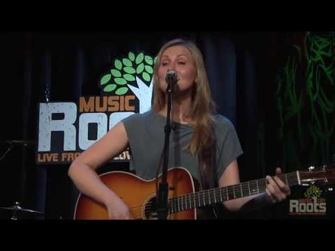 """Nora Jane Struthers & The Party Line """"Travelin' On"""""""