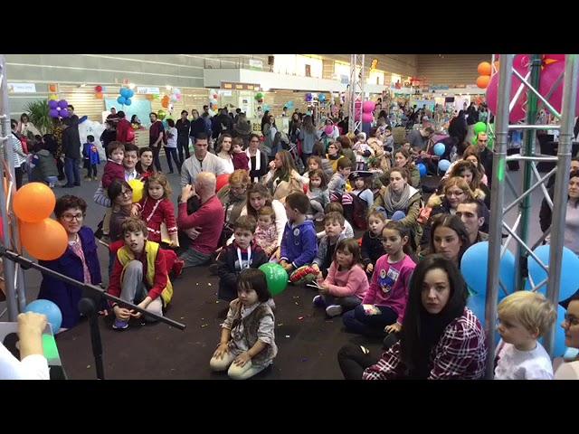 Más de 5.000 visitantes disfrutan del tercer Salón das Familias 'Mundonen@s'