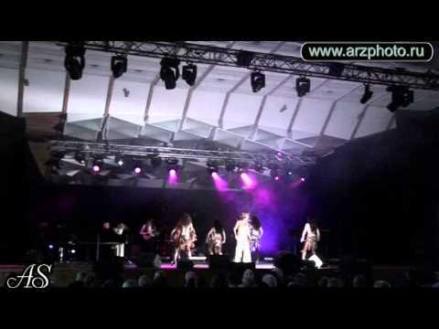 Смотреть АЗИЗА - Сольный концерт в Юрмале онлайн