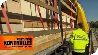 Gefahrenquelle! Holz im LKW wurde schlampig gesichert | Achtung Kontrolle | kabel eins