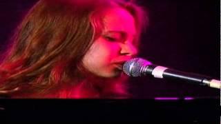 Fiona Apple - Sullen Girl [LIVE]