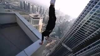 Экстрим на крыше небоскреба!!!
