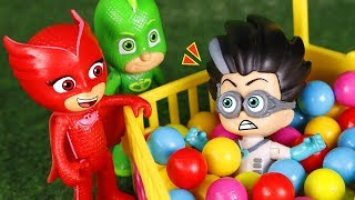 PJ Masks Toys ⚡ Romeo and the ball pit 🔴🔵