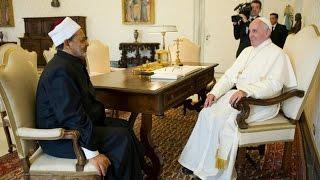 بالفيديو.. الطيب يستقبل بابا الفاتيكان في مشيخة الأزهر