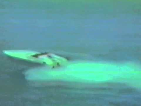Magnum Express 24 Offshore Prototype Race Boat - 1986