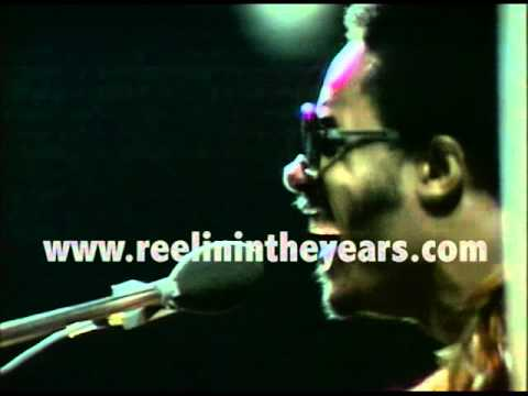 "Stevie Wonder ""Higher Ground"" LIVE 1974 (Reelin"