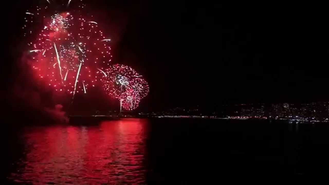 Video Hd Fuegos Artificiales Y Ano Nuevo En El Mar 2015 Vina Del