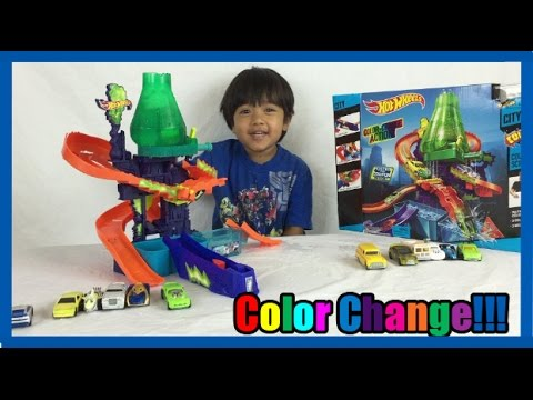 COLOR CHANGERS CARS Hot Wheels Color Shifters Splash Science lab kids video Ryan ToysReview