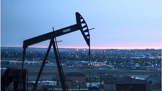 Смотреть видео Цена барреля нефти Brent опустилась ниже 71,2 доллара онлайн