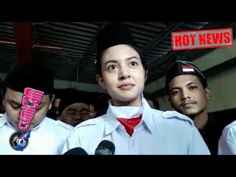 Hot News! Ello Dipenjara, Pacar Kibarkan Bendera di Bawah Laut - Cumicam 17 Agustus 2017