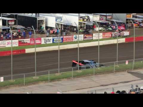 Scott Bloomquist hot laps I-80 Speedway 05/23/17