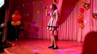Песня на французском – Маргарита Тимирбаева – 9б класс.
