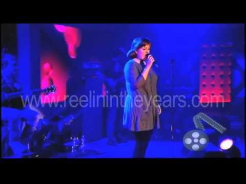 "Adele ""Chasing Pavements"" Live 2007 (Reelin' In The Years Archives)"