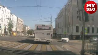 ДТП с подрезавшей автобус легковушкой в Туле снял видеорегистратор очевидца