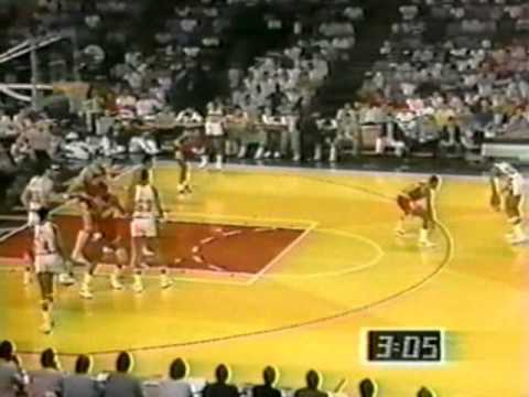 Sidney Moncrief 25pts6asts & Paul Pressey 22pts7asts vs. Bulls 1985 Playoffs