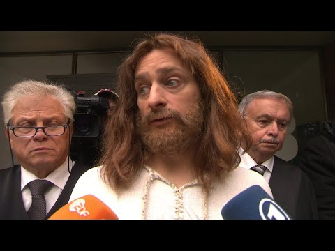 Jesus verklagt die CSU | extra 3 | NDR
