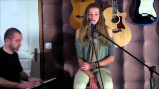 Repeat youtube video Le phénomène Liv (The Voice 2014 France)
