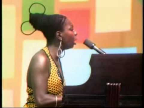 Nina Simone -  Ain't Got No   I've Got Life