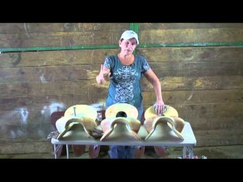 World Champion Barrel Racer, Lynn McKenzie's new Nueva saddle tree3b mp4
