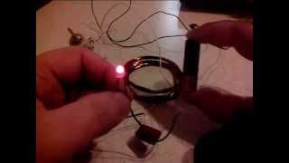 Что нужно сделать чтобы светодиод работал от одной батарейки 1,5 вольта