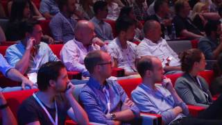 How to present t๐ keep your audience's attention | Mark Robinson | TEDxEindhoven