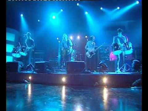 Radiohead - There There (Live on Jonathan Ross Show)