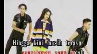 Watch Siti Nurhaliza Bisikan Asmara video